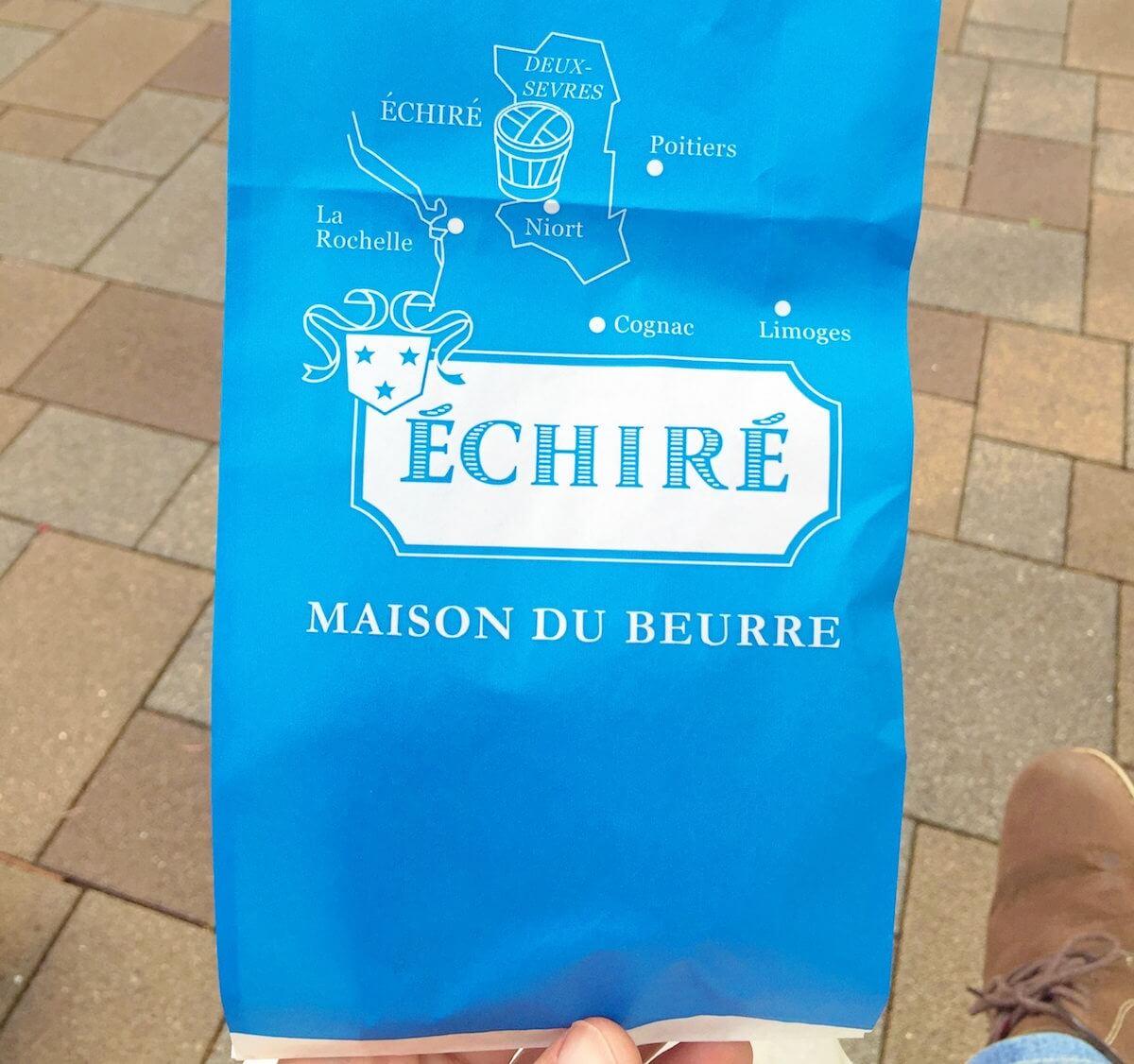 エシレ・メゾン デュ ブールの青い包装紙
