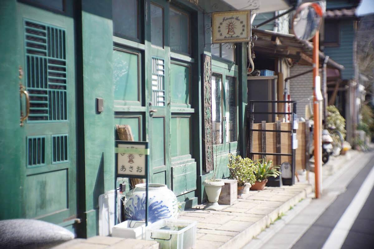 緑色の店舗