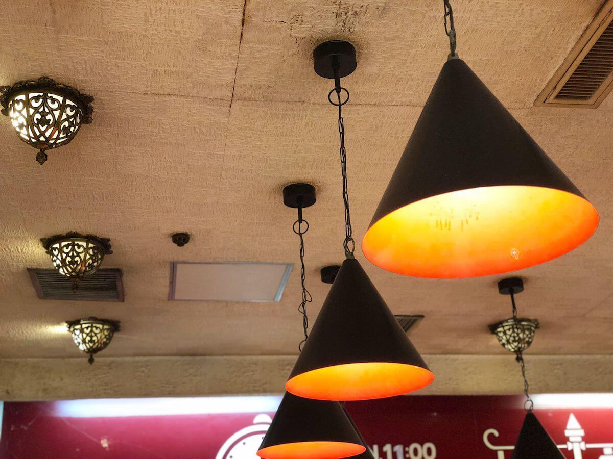 デリーカレーの照明