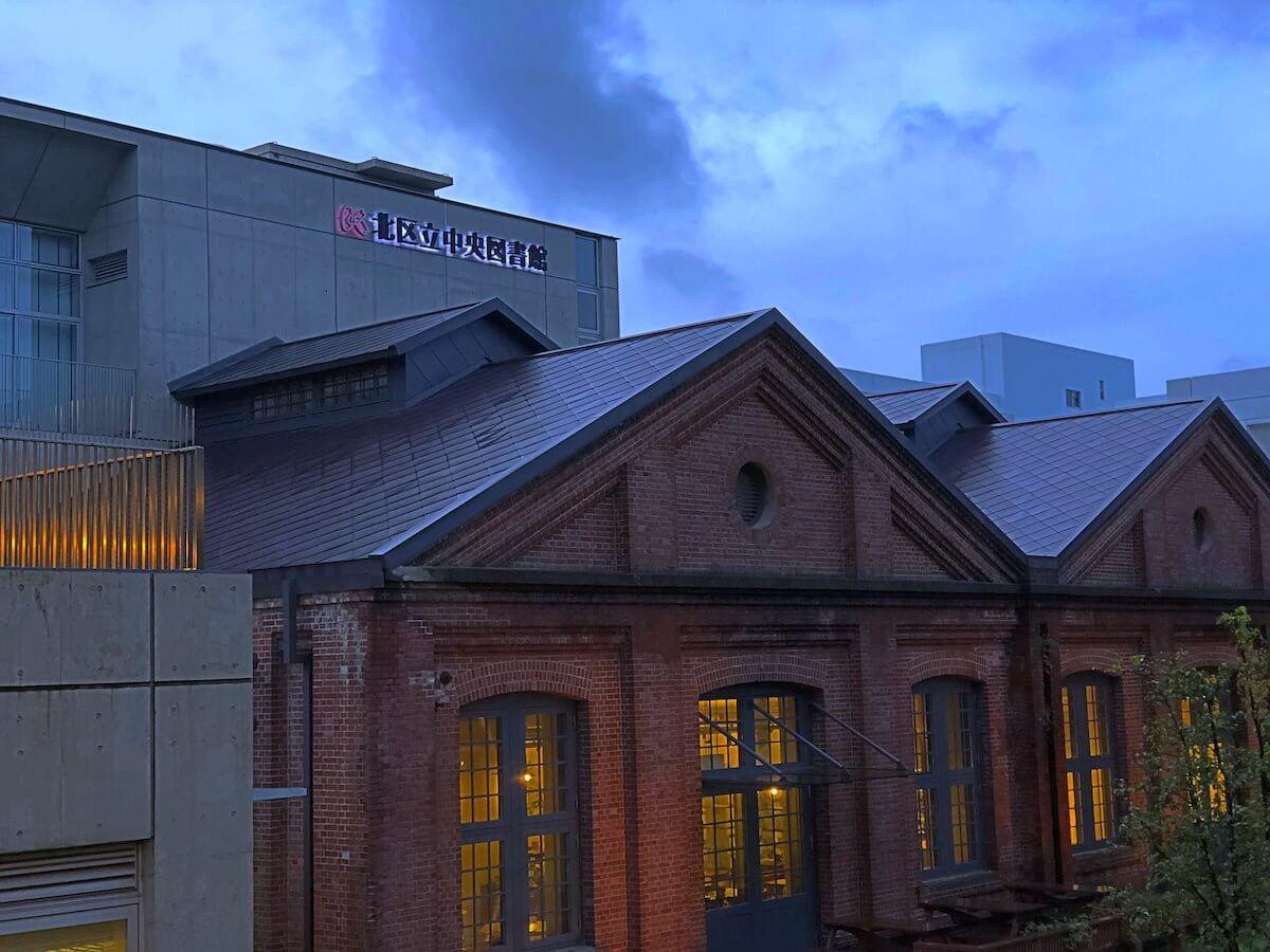 夜の図書館
