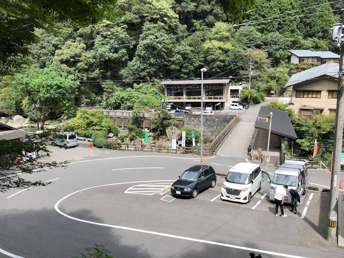 中津渓谷の駐車場