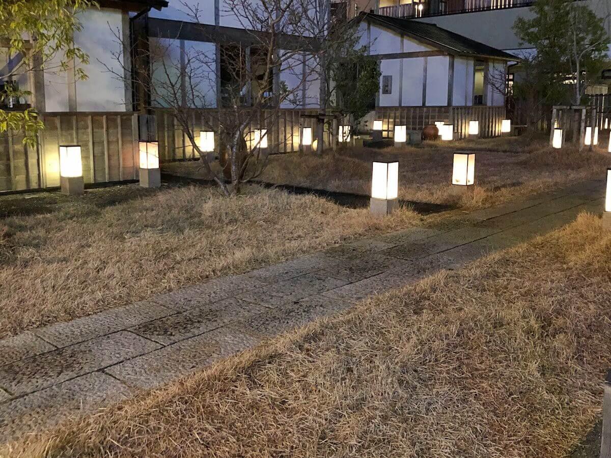 伊勢市駅近くの提灯