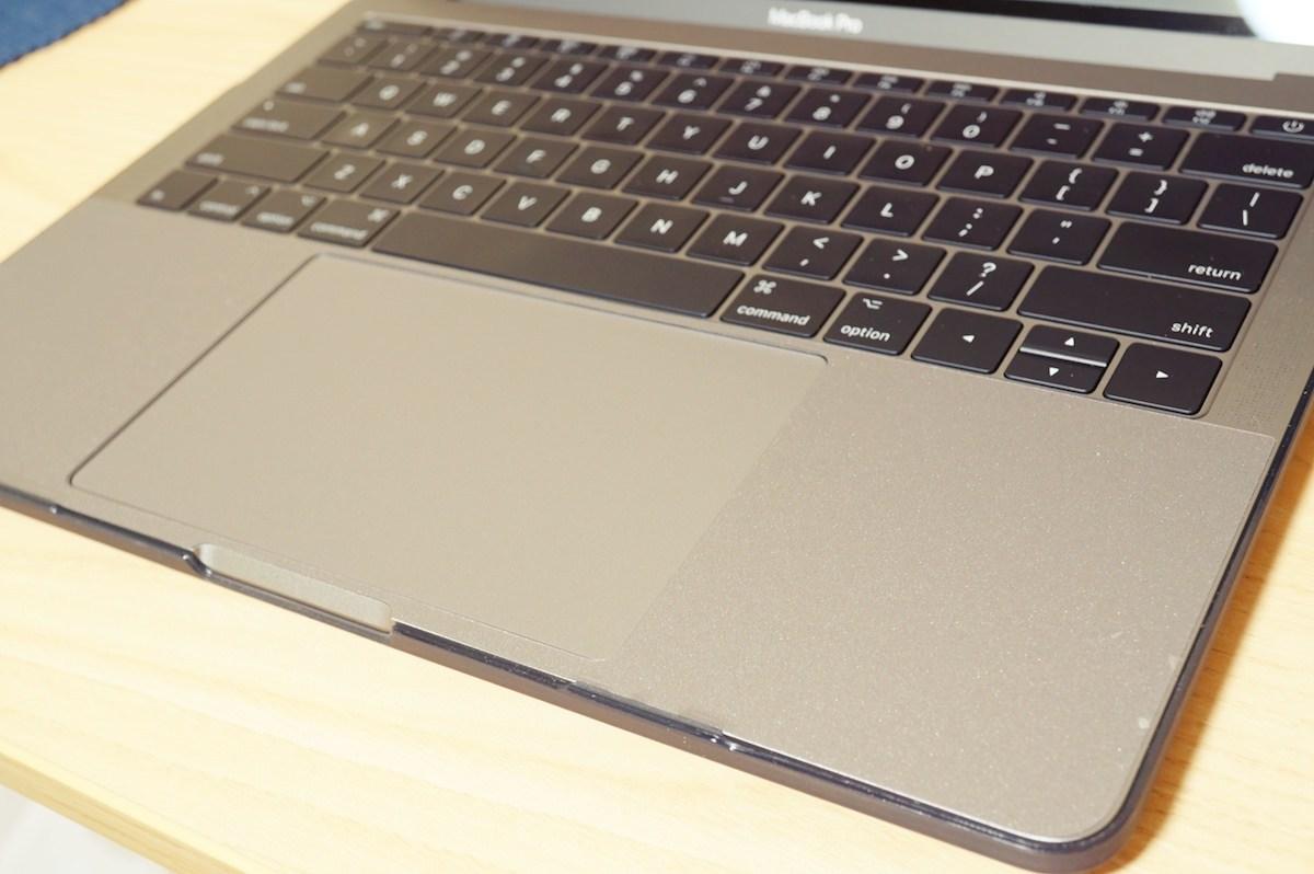 macbookとパームレスト