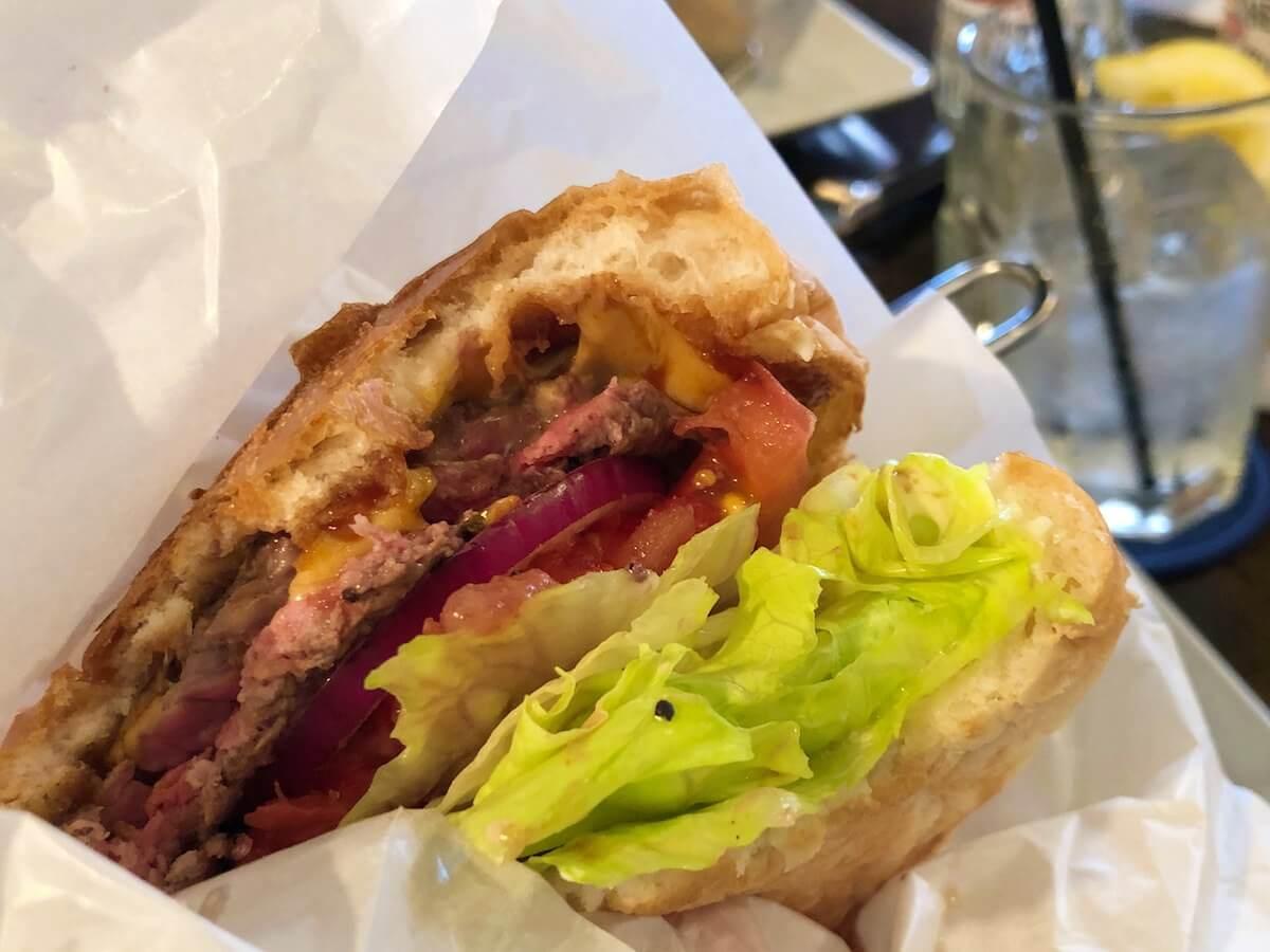 シェイクツリーのハンバーガー
